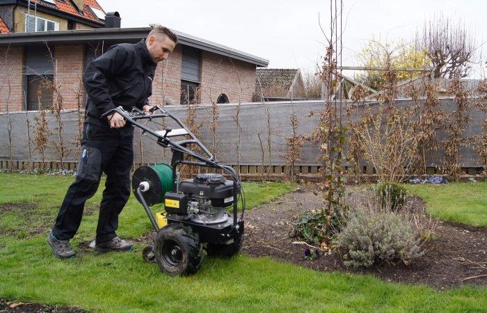 Hjälpmedel vid installation av robotgräsklippare